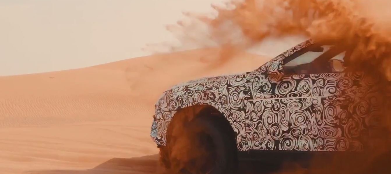 lamborghini-urus-takes-to-the-dunes-in-sabbia-mode-teaser-121560_1.jpg