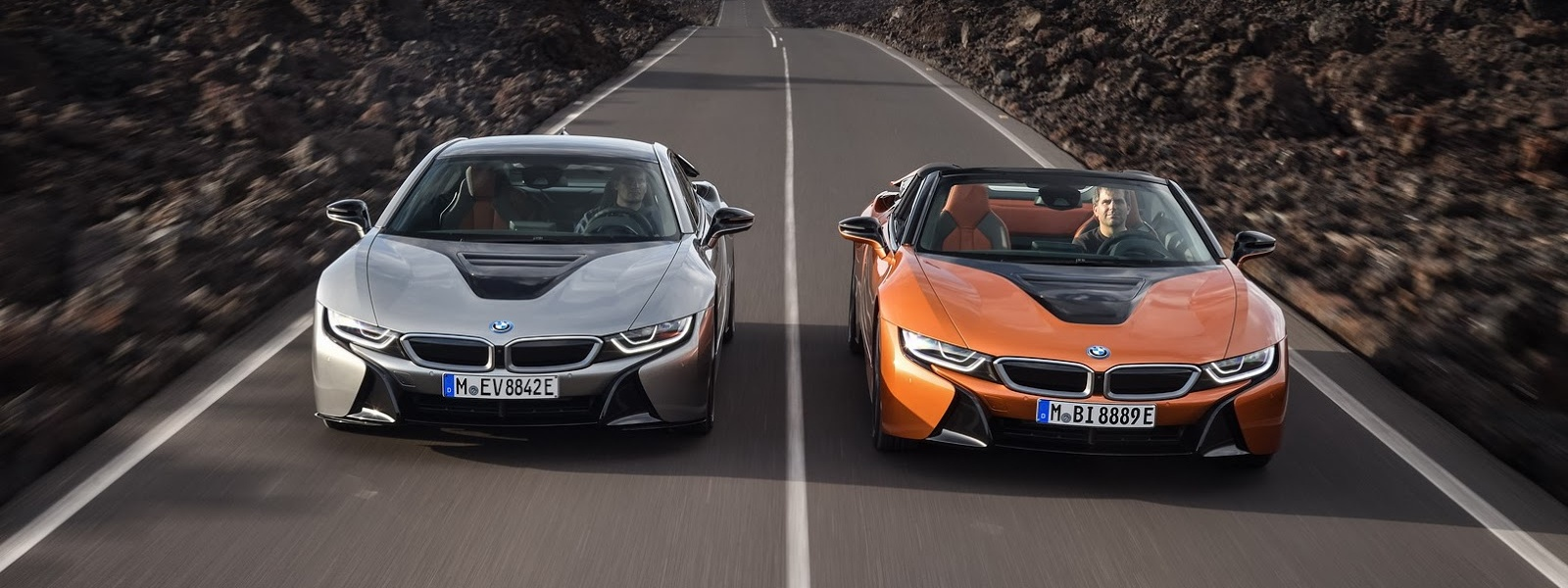 2019-BMW-i8-Roadster-Coupe-38.jpg