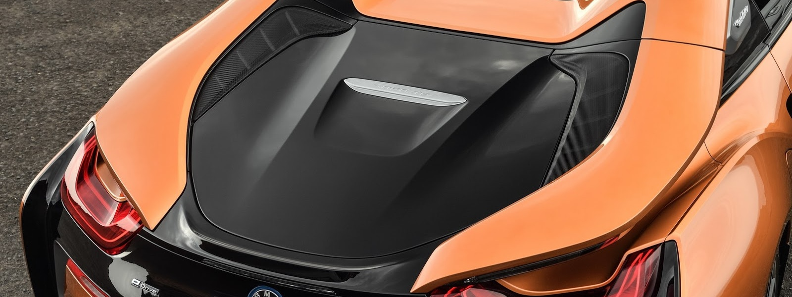 2019-BMW-i8-Roadster-Coupe-52.jpg