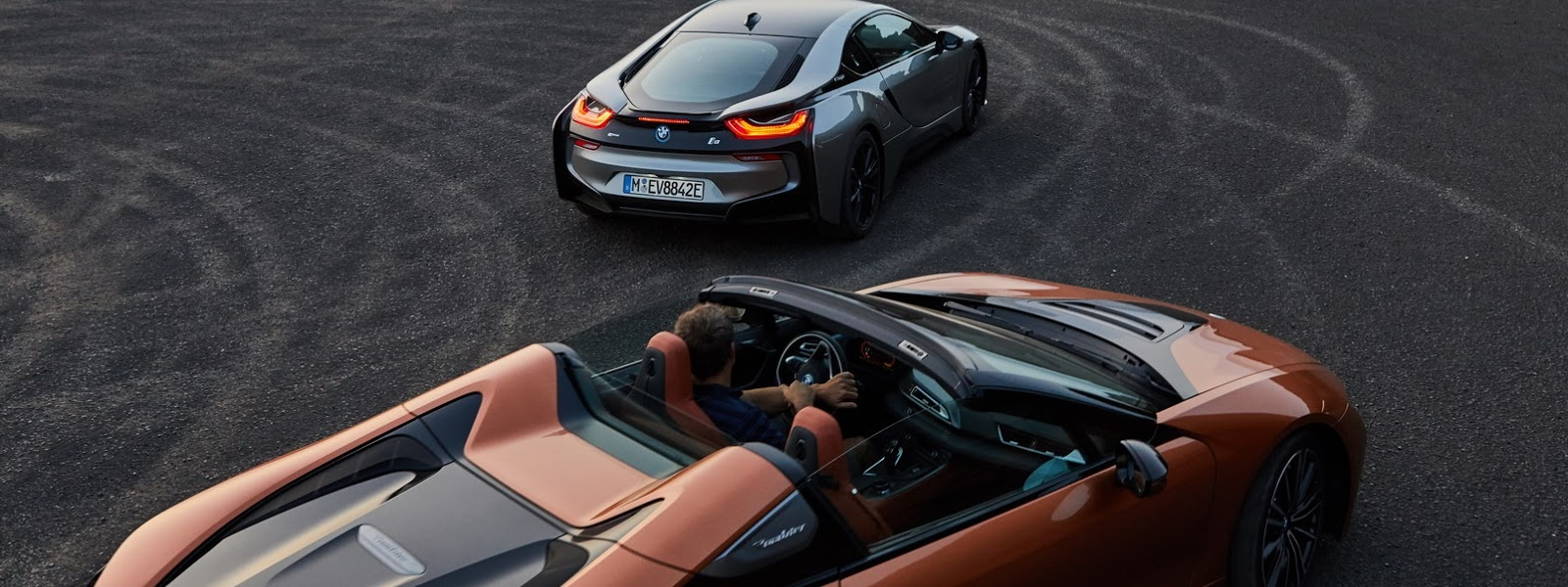 2019-BMW-i8-Roadster-Coupe-60.jpg