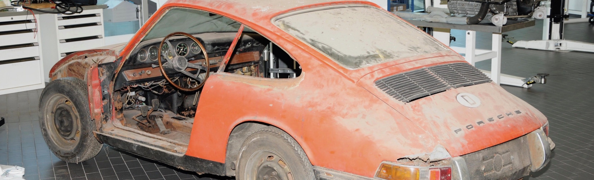 high_911_barn_find_2017_porsche_ag.jpg