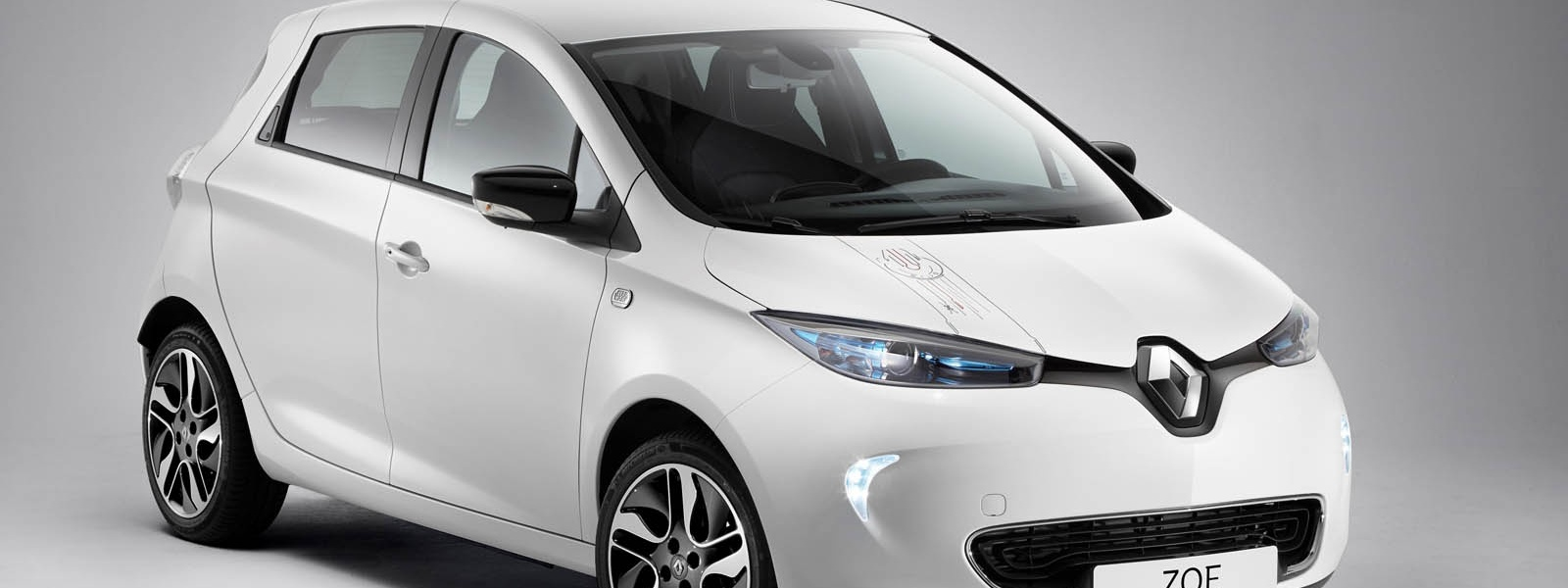 21201617_2017_Renault_ZOE_Star_Wars_Limited_Edition.jpg