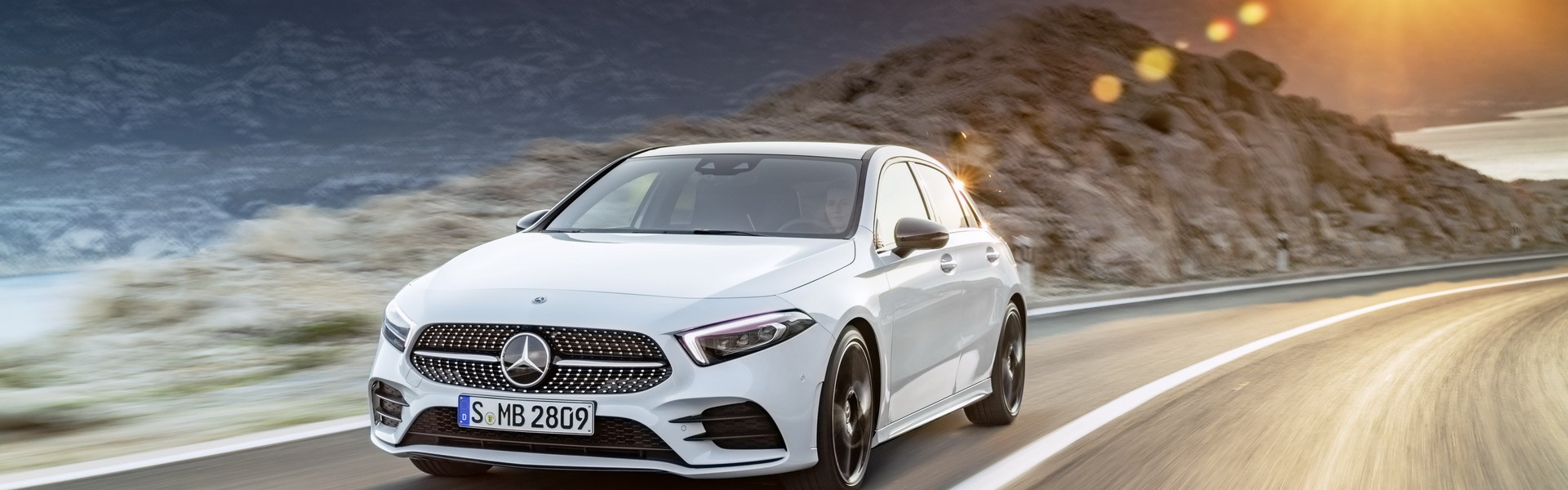 2019-Mercedes-Benz-A-Class-Hatch-01.jpg