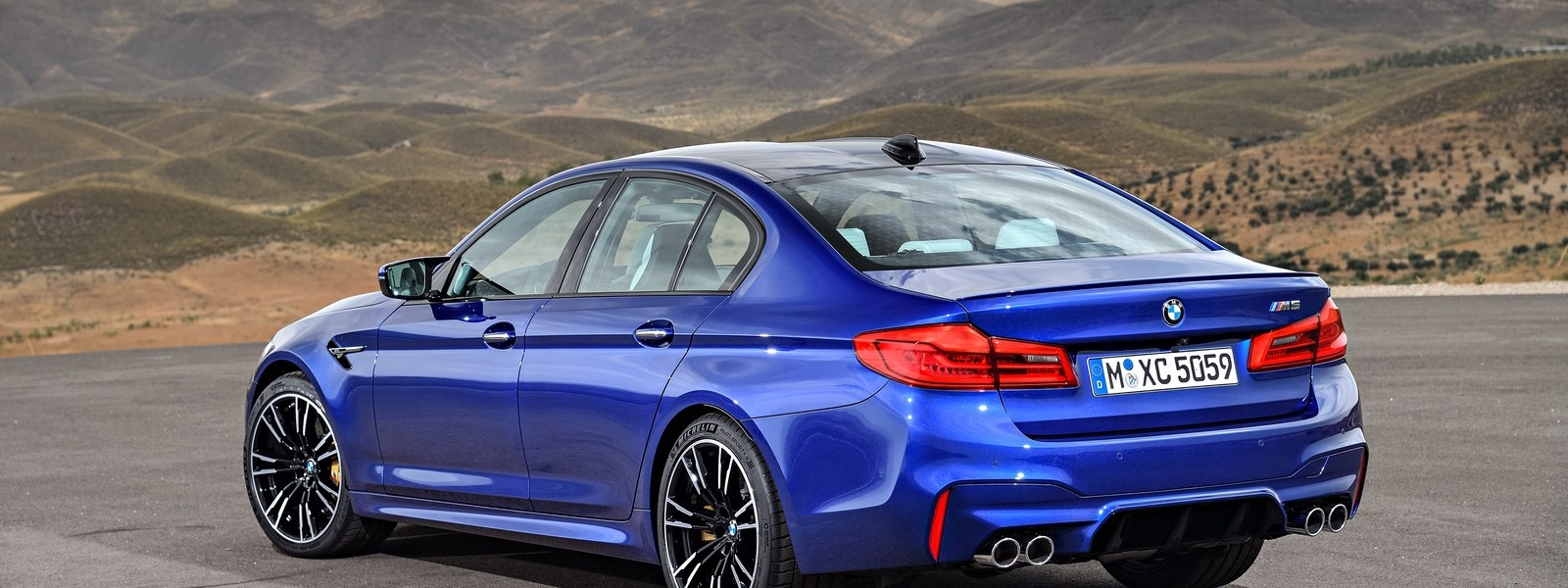 BMW-M5-Competition-Package-6.jpg
