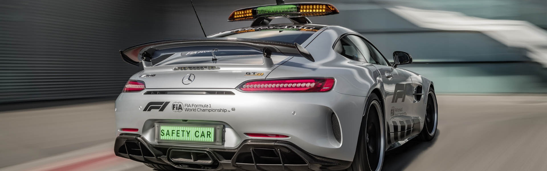 mercedes-amg-gt-r-f1-safety-car-04.jpg