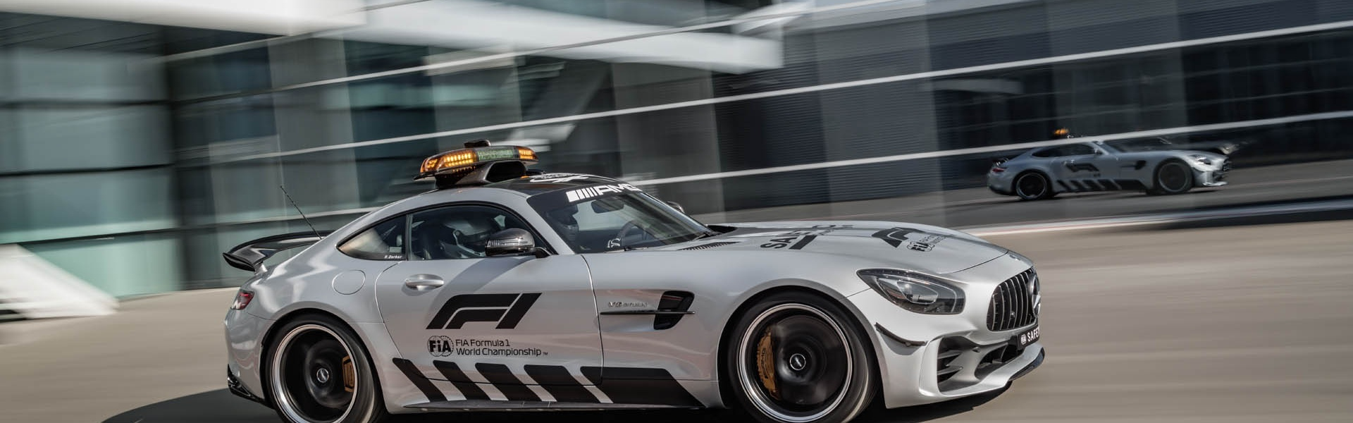mercedes-amg-gt-r-f1-safety-car-02.jpg