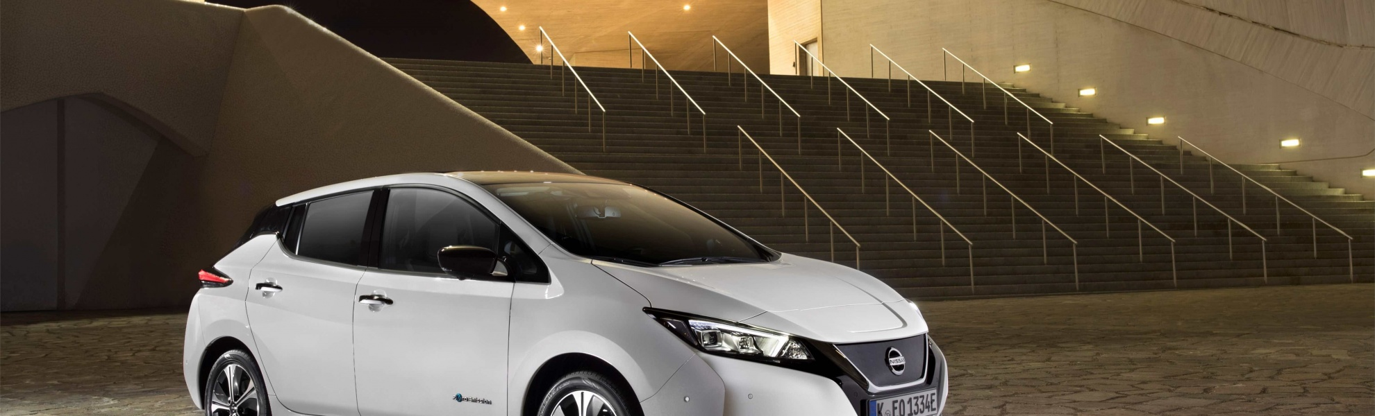 426214105_The new Nissan LEAF_ the world's best-selling zero-emissions electric vehic.jpg