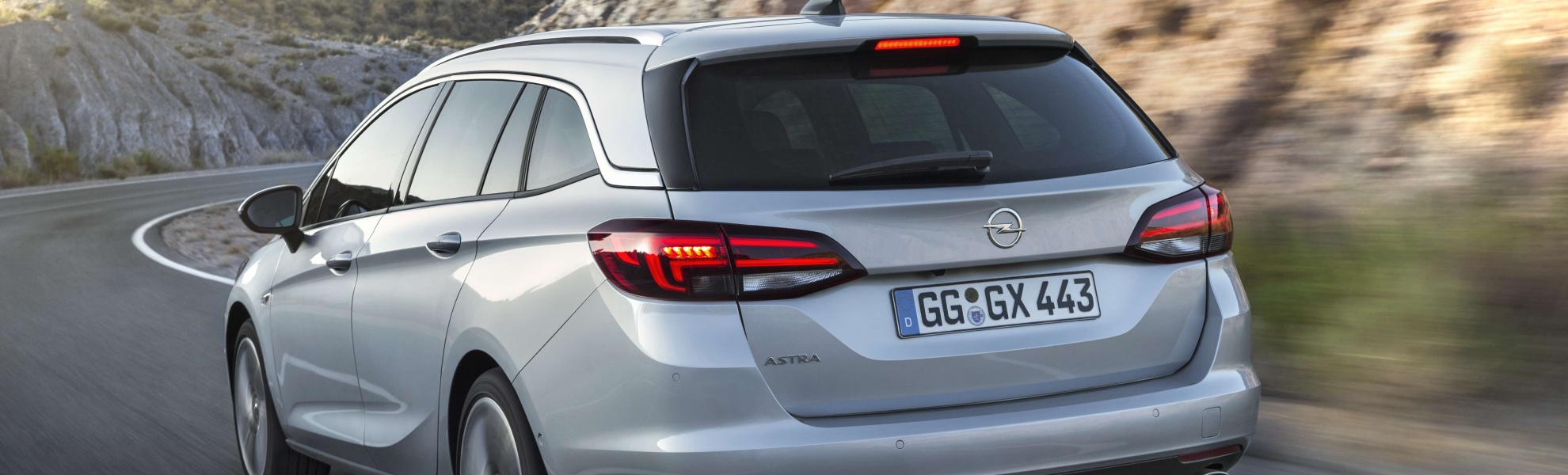 Opel-Astra-Sports-Tourer-297397.jpg