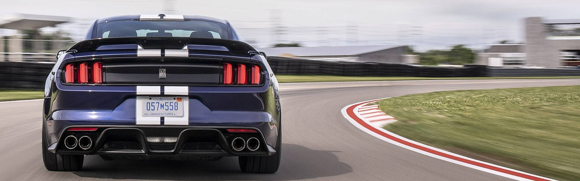 2019-ford-mustang-shelby-gt350 (2).jpg