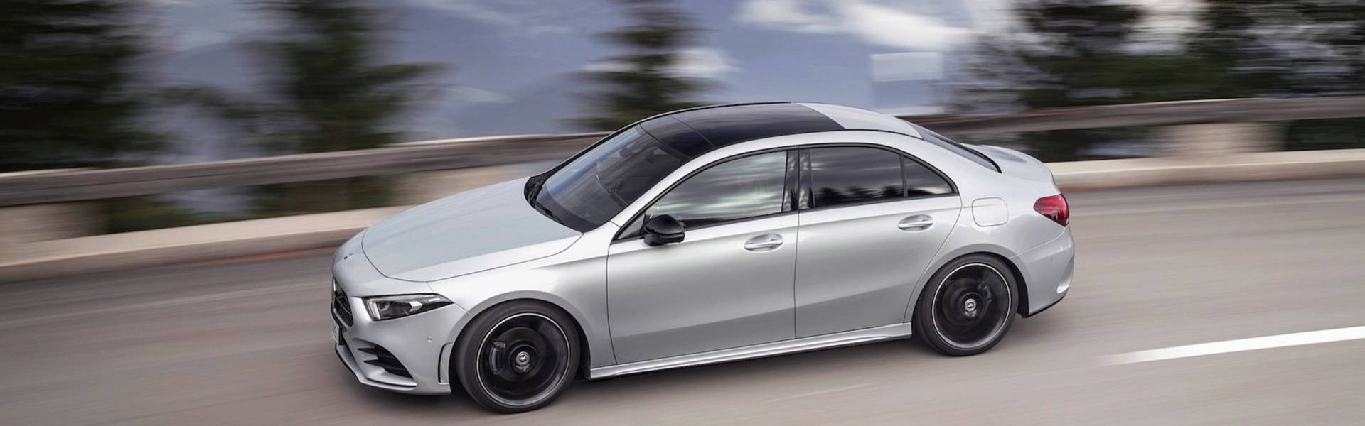 2019-mercedes-benz-a-class-sedan (2).jpg