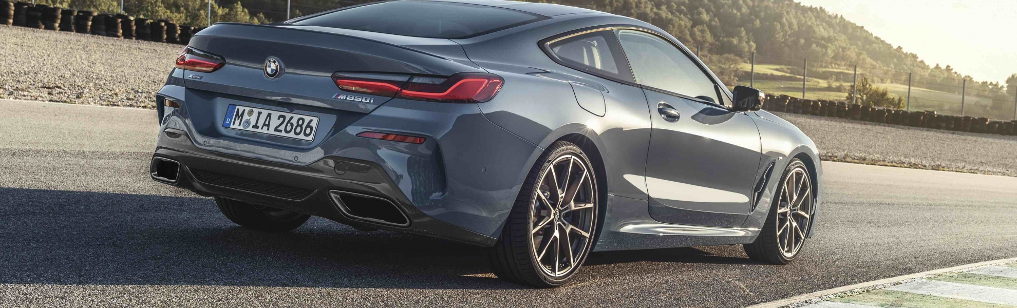 P90306595_highRes_the-all-new-bmw-8-se.jpg