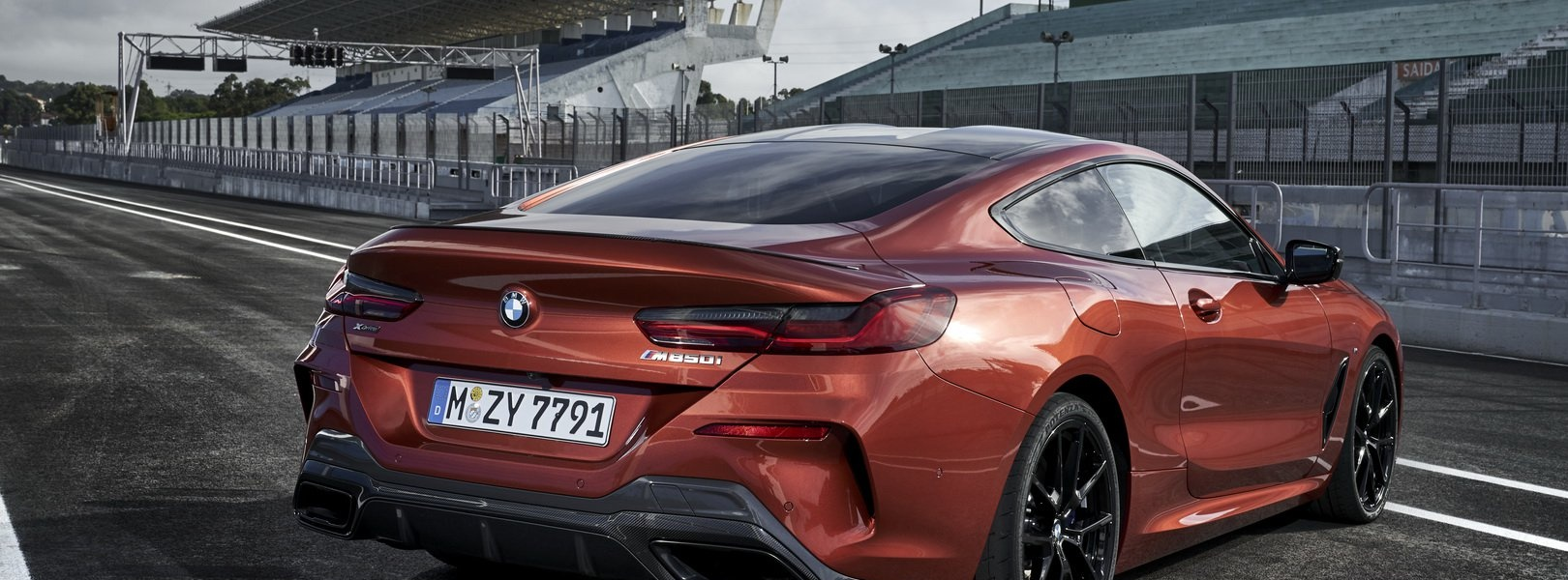 60a2b098-2019-bmw-8-series-estoril.jpg