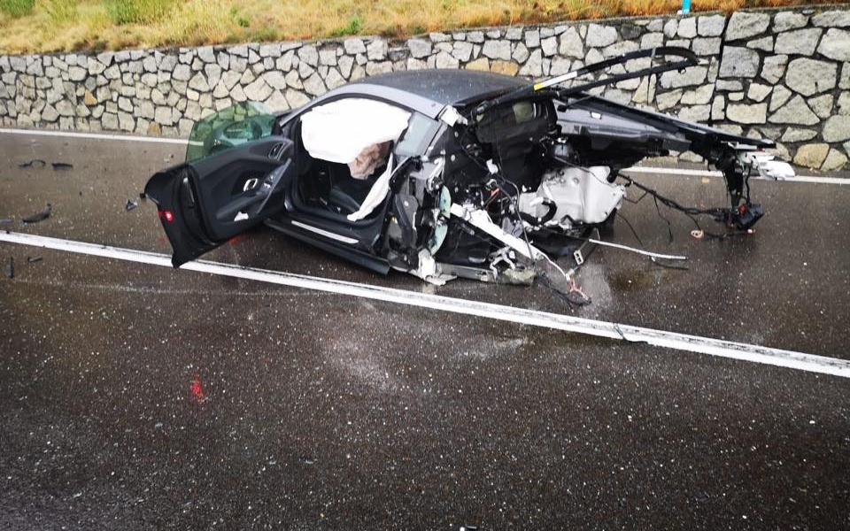 audi-r8-massive-crash-7.jpg