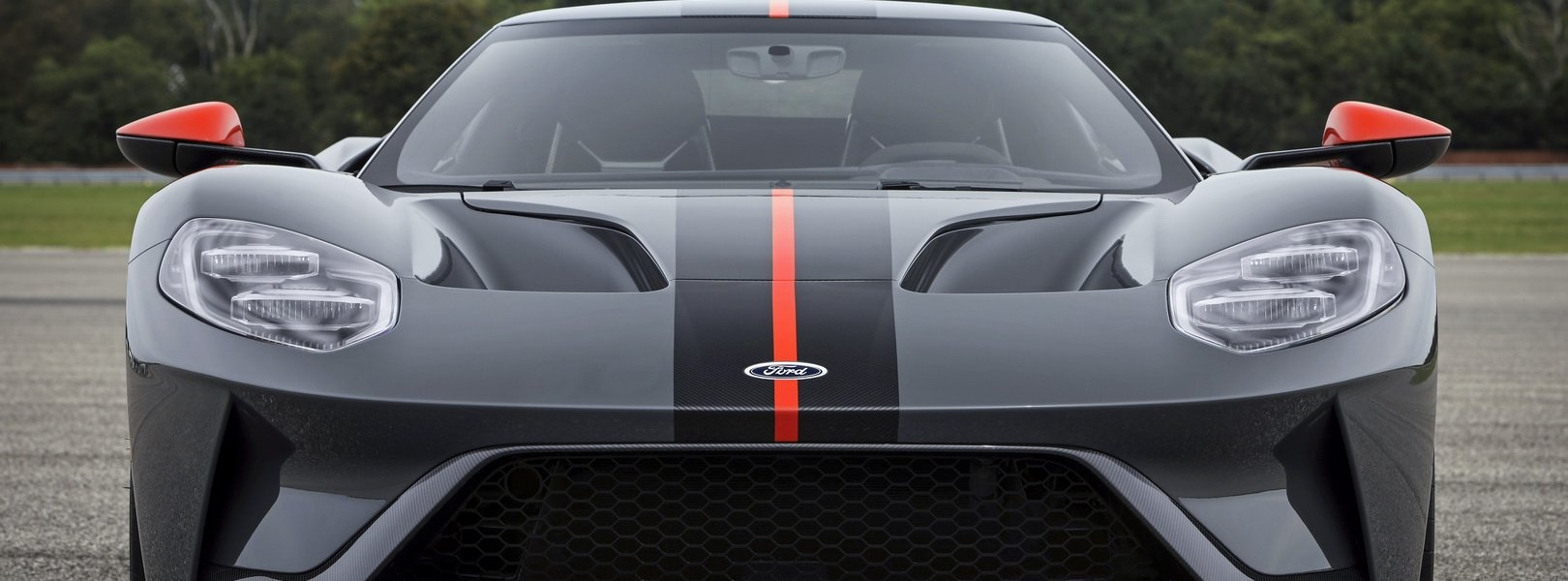 fcfaa392-2019-ford-gt-carbon-series-2.jpg