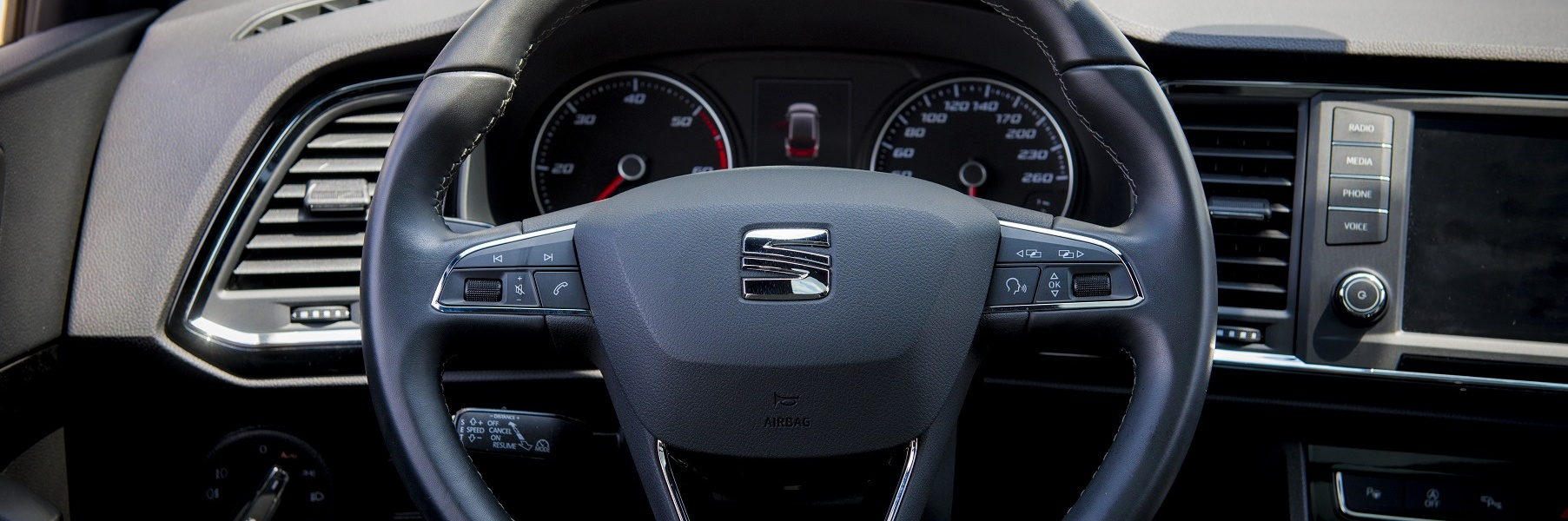 Today-SEAT-Ateca-steering-wheel.jpg