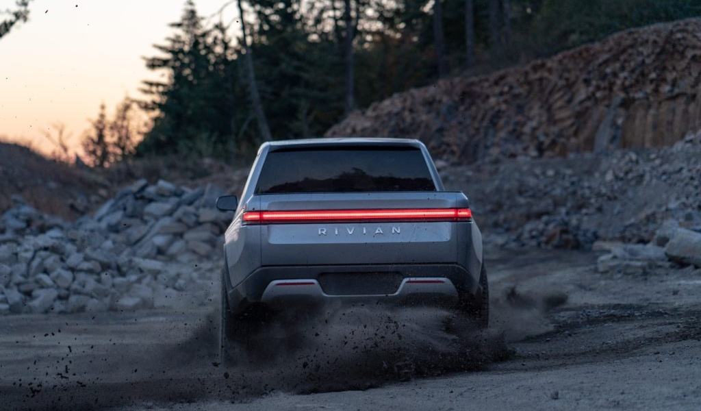 rivian-unveils-r1t-electric-truck-31.jpg