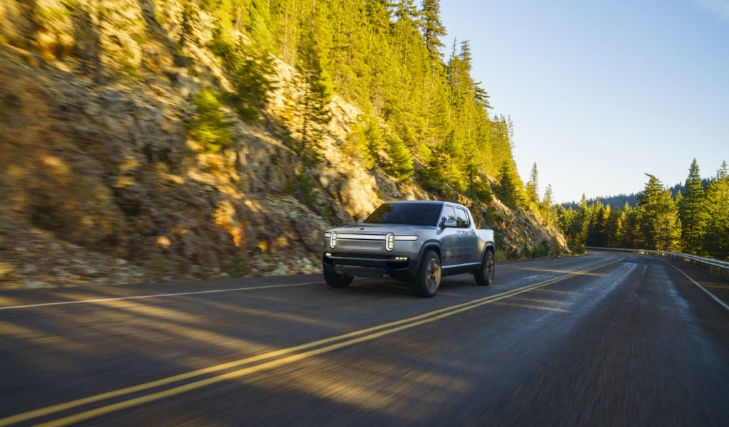 rivian-unveils-r1t-electric-truck-34.jpg