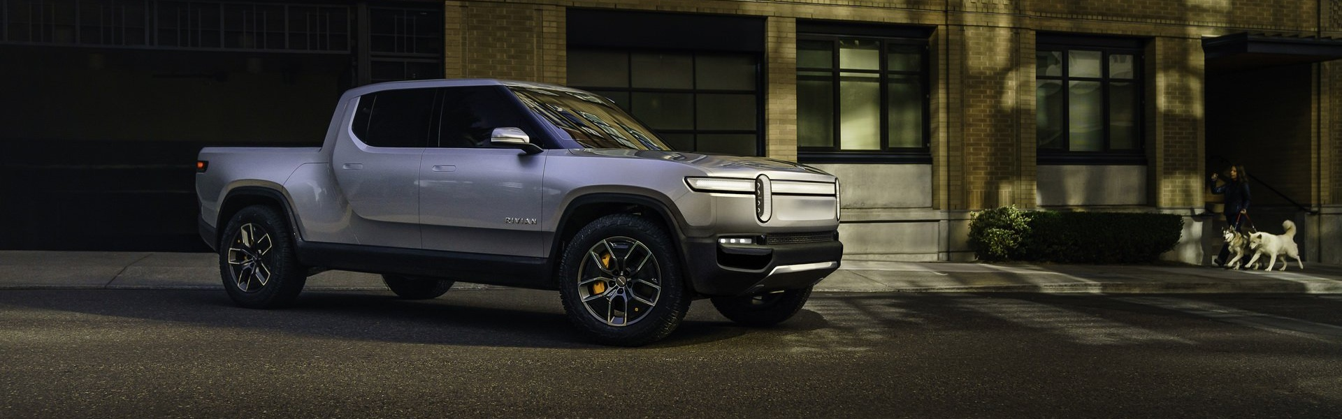 rivian-unveils-r1t-electric-truck-5.jpg