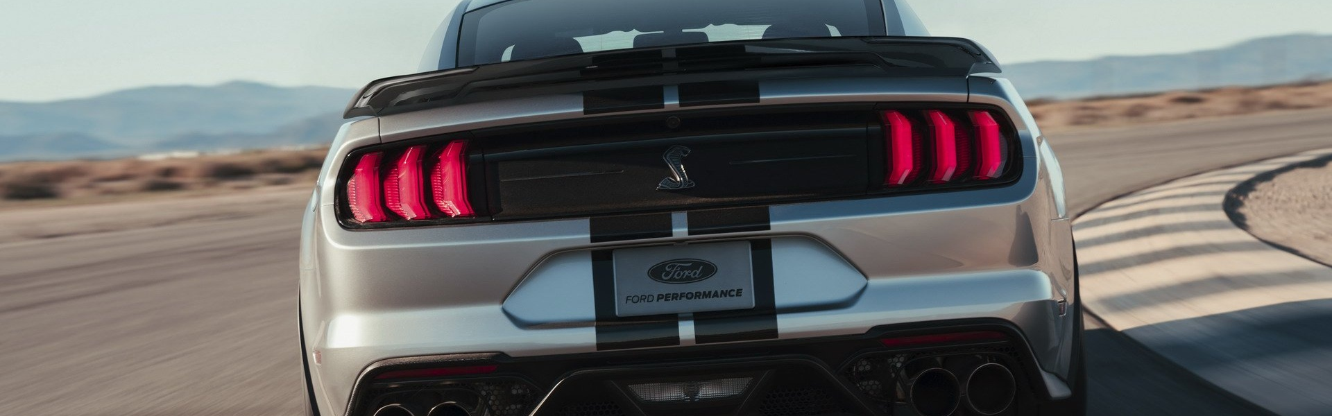 2020-ford-mustang-shelby-gt500-57.jpg