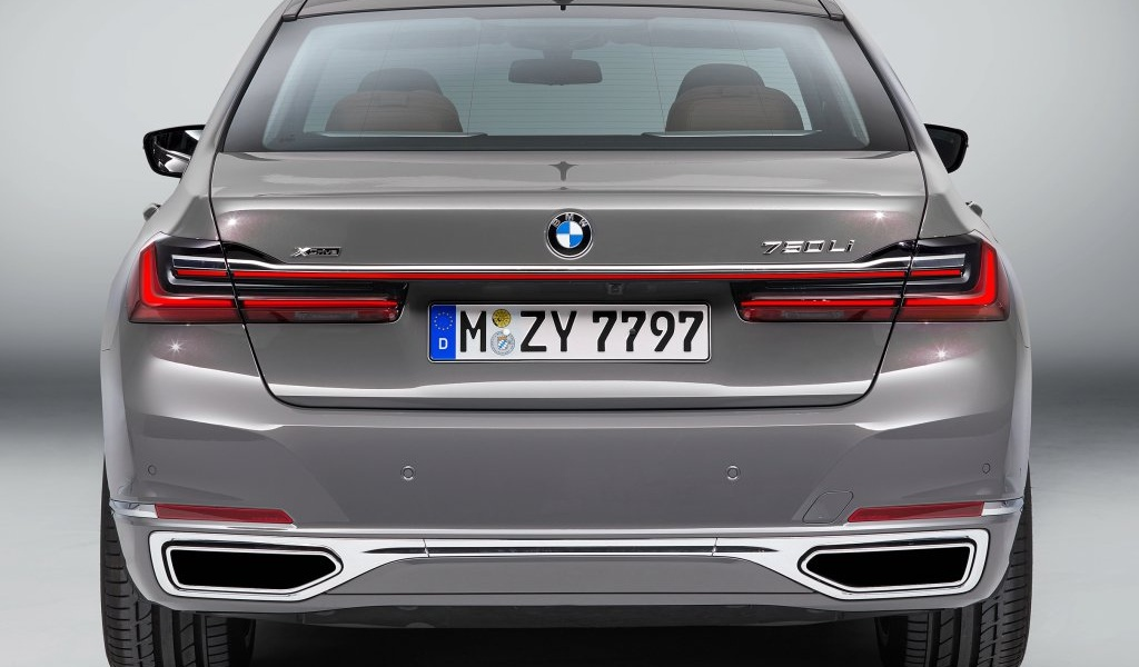 bmw-7series-facelift-leaked-images-2.jpg