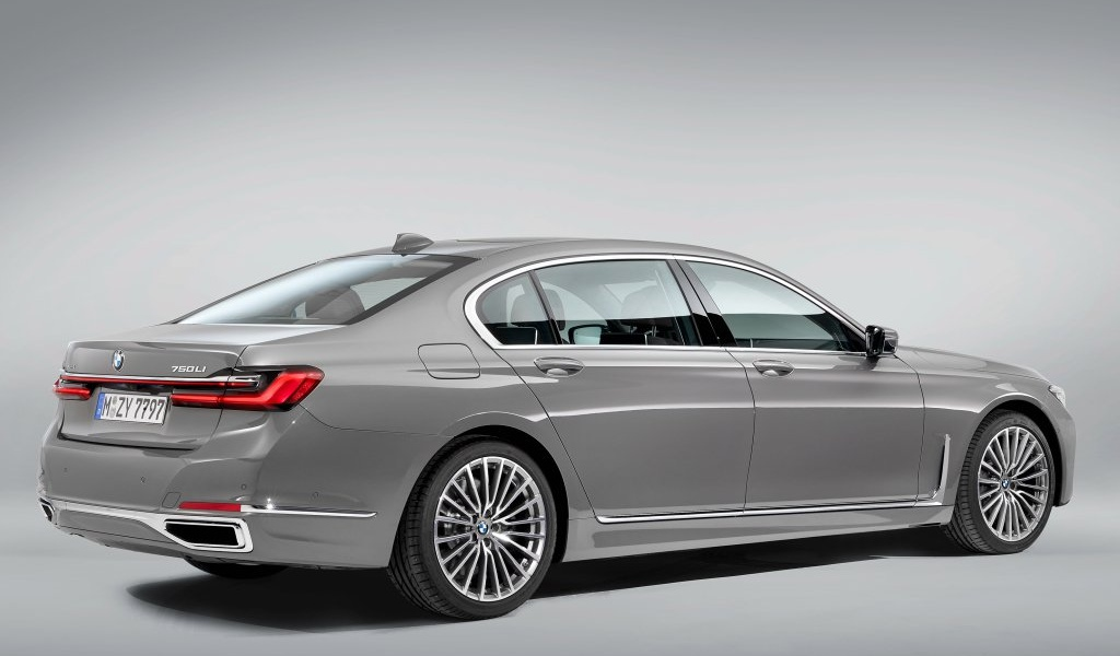 bmw-7series-facelift-leaked-images-3.jpg