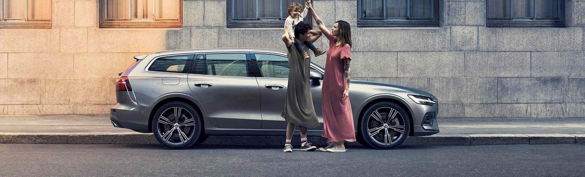 252091_Volvo_Cars_introduces_six_months_paid_parental_leave_for_EMEA_region.jpg