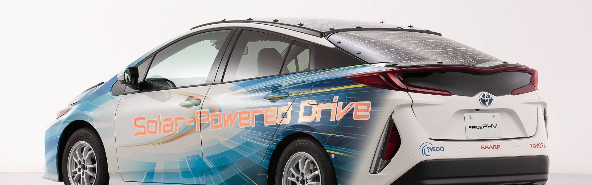 toyota-prius-phv-demo-car-with-solar-panels-7.jpg
