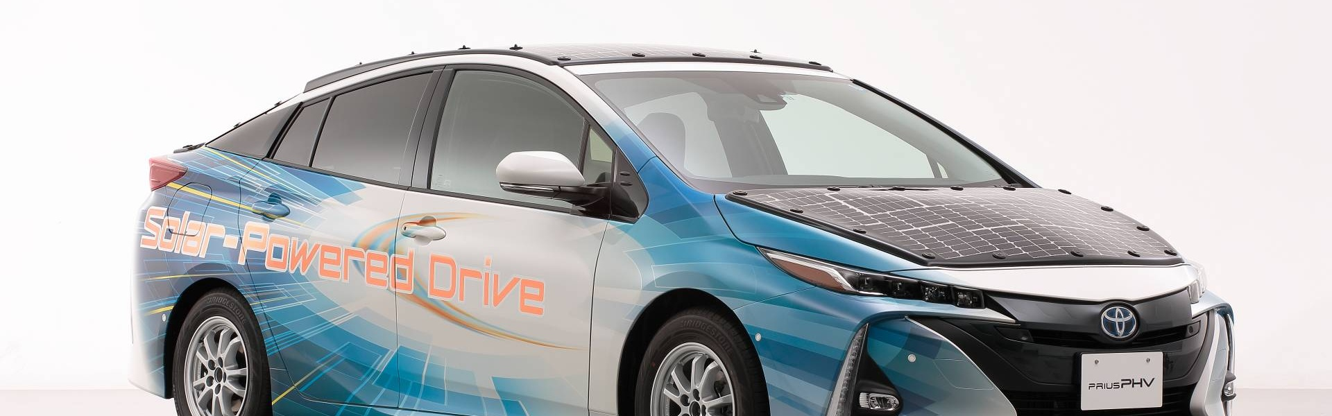 toyota-prius-phv-demo-car-with-solar-panels-6.jpg