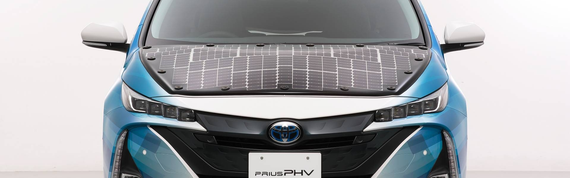 toyota-prius-phv-demo-car-with-solar-panels-1.jpg