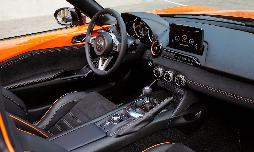 2019_MX-5_SpecialEdition_Interior_003.jpg