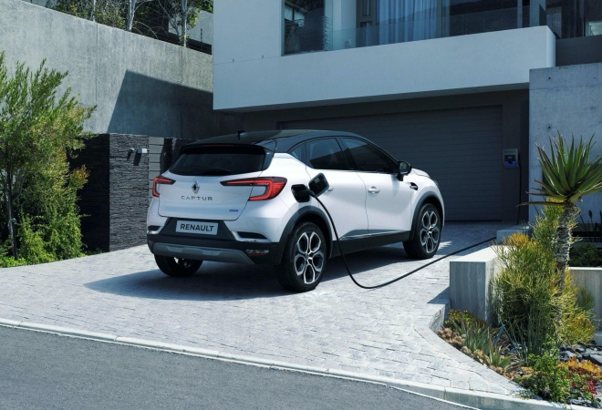 2020-Renault-Captur-E-Tech-plug-in-hybrid-13.jpg