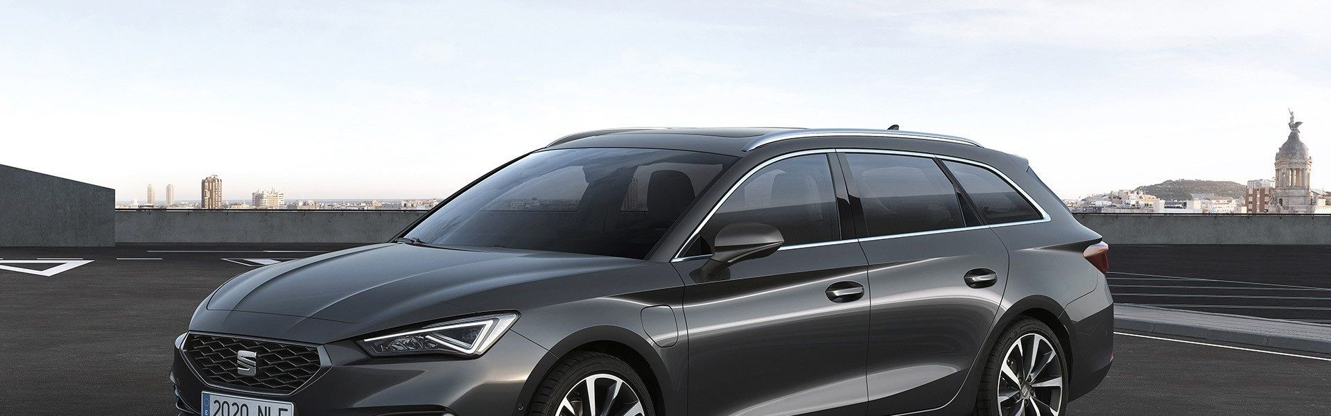 2020-Seat-Leon-Hatch-Estate-12.jpg