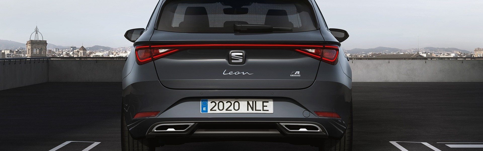 2020-Seat-Leon-Hatch-Estate-15.jpg