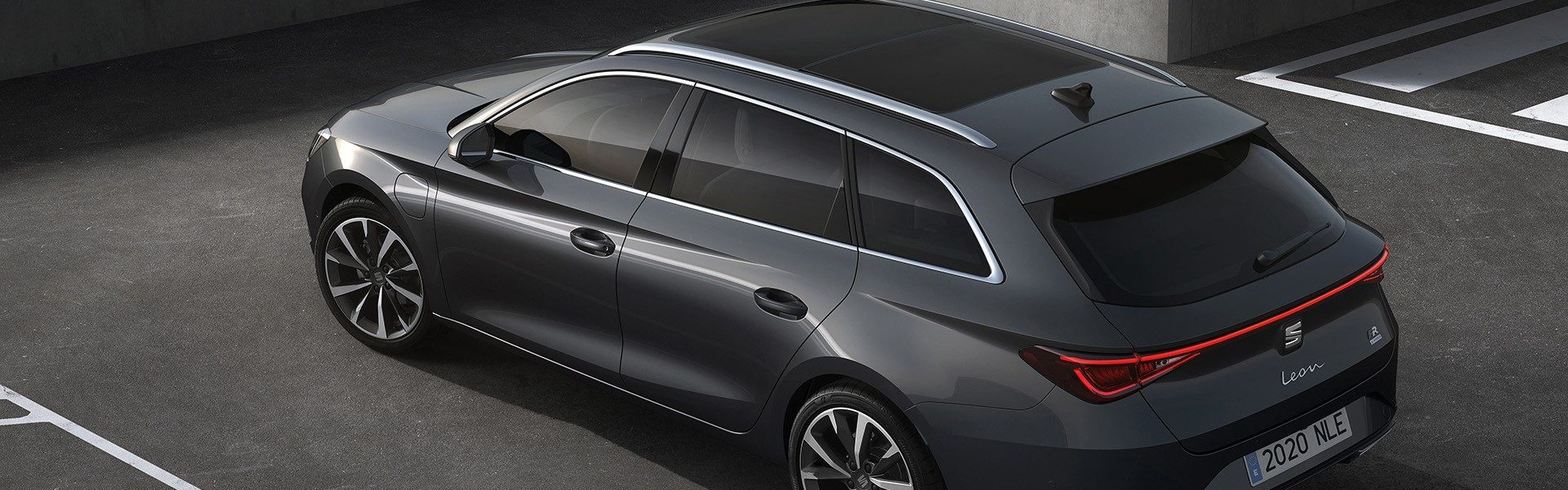 2020-Seat-Leon-Hatch-Estate-18.jpg