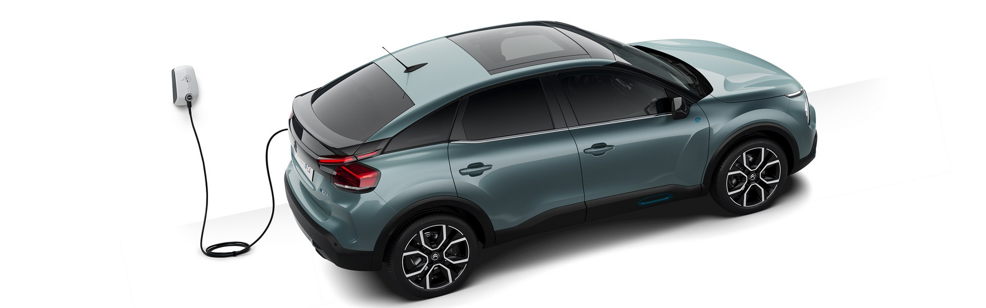 citroen-c4-and-e-c4-previewed-3.jpg