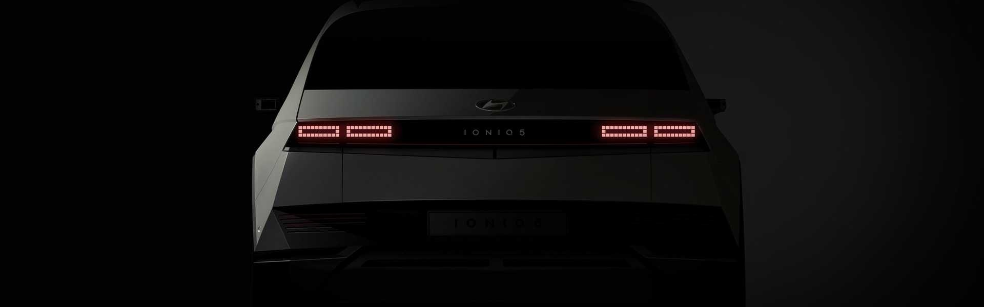 2022-hyundai-ioniq-5-teaser-rear-end.jpg